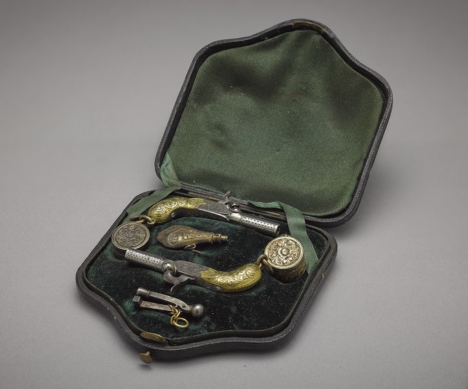 Miniature Duelling Set with Two Pistols and Powder Flask