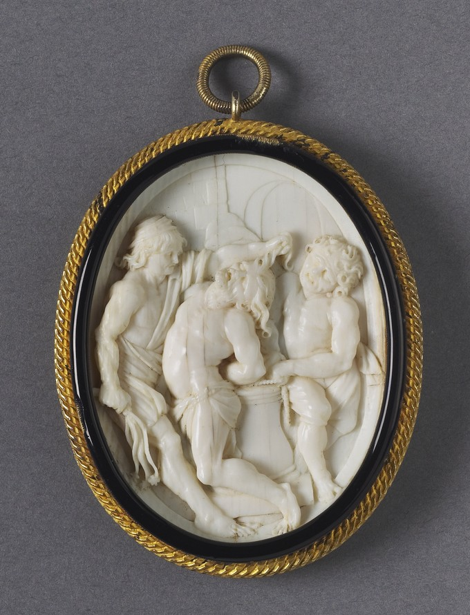 Rosary Pendant: Christ at the Column